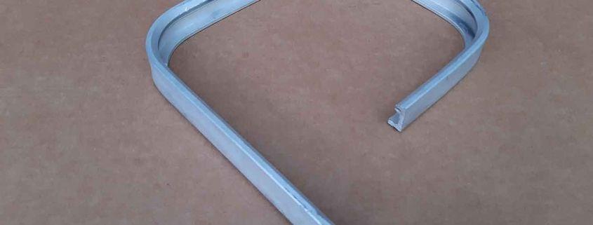 28 Profilo finestra alluminio